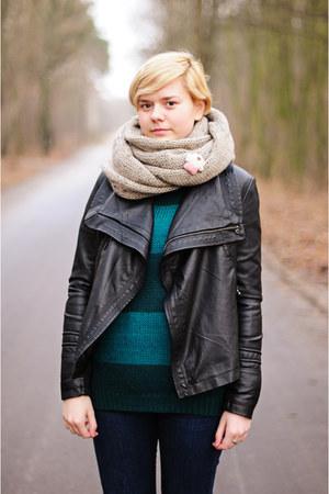 green Atmosphere jumper - tan reserved scarf
