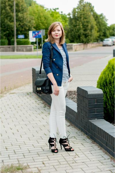 navy Zara blazer - white Zara pants - cream H&M t-shirt - black Zara sandals