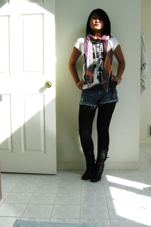 scarf - necklace - leggings - shirt - Steve Madden boots - Forever 21 shorts