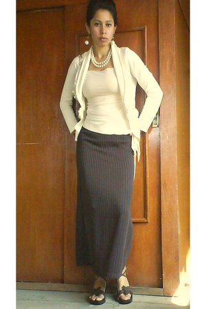 dark brown skirt - beige blouse