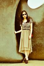 red Chanel purse - dark brown Ray Ban sunglasses - dark brown Aldo wedges - beig