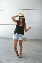 canotier H&M hat - Bershka shorts - Bershka top - Primark sandals