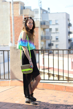 pleated skirt Forever21 skirt - neon bag Forever 21 accessories