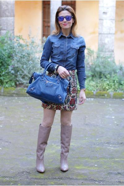 blue denim shirt Kocca shirt - beige wedged boots Patrizia Pepe boots
