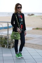 chartreuse Dolce & Gabbana bag - black kettle print Sheinside blouse
