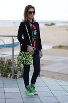 chartreuse Dolce & Gabbana bag - black kettle print Sheinside blouse