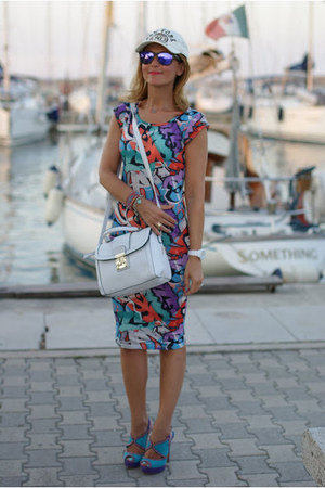 light blue graffiti print Vero Moda dress - white asos bag