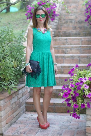 green lace Morgan de Toi dress - black fringed Carla G bag