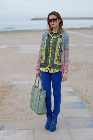 yellow scarf print Zara shirt - light blue Sheinside sweater