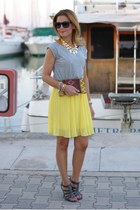 yellow pleated WOAKAO dress - mustard Stradivarius bag