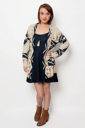 navajo cardigan Haute Alternative cardigan - Steve Madden boots