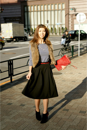 black Forever 21 skirt - ruby red clutch Zara bag - navy striped Zara top
