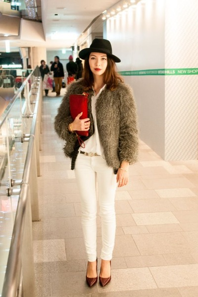 heather gray faux fur Mango coat - ruby red clutch leather Zara bag