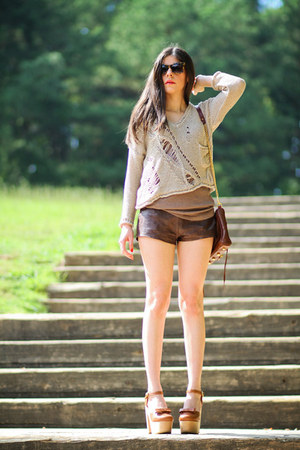 abercrombie and fitch shorts - knit brandy melville sweater
