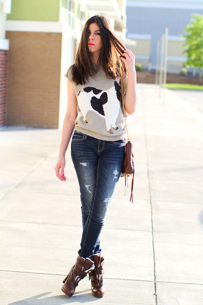 shearling Dolce Vita boots - skinny American Eagle jeans