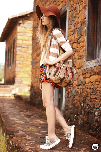 tan Dafiti bag - brick red Dafiti skirt