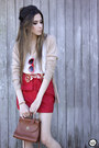 Ruby-red-angel-shoes-gold-slash-store-necklace-ruby-red-xiquita-bakana-skirt