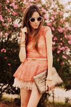 coral lace peplum Xiquita Bakana top - tan romwe bag - beige romwe sunglasses
