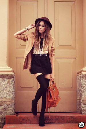 dark brown romwe hat - black Antix dress - brown Kafé Acessórios bracelet
