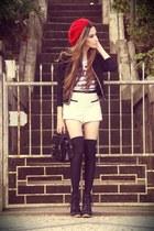 Ville Rose hat - Morena Raiz coat - Morena Raiz shorts