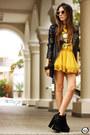 Mustard-awwdore-skirt-mustard-romwe-t-shirt-black-mila-e-uma-coisas-bracelet