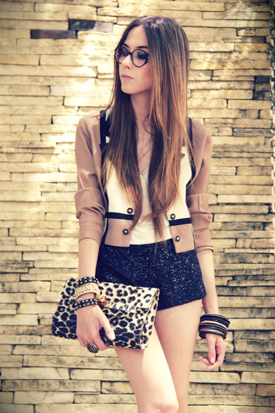 light brown Brech da Neide blazer - black sequins Marisa shorts