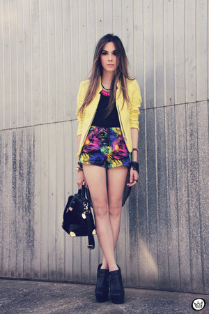 yellow romwe jacket - hot pink romwe necklace - black Kafé accessories