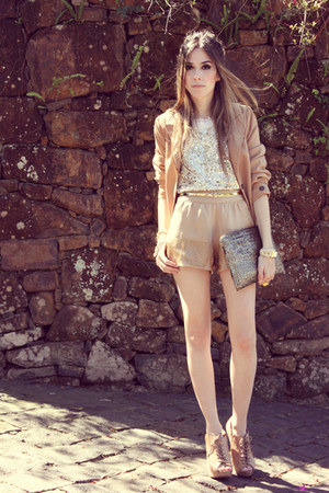 tan Xiquita Bakana shorts - white sequins romwe vest - eggshell Kaf bracelet