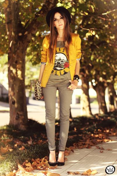 mustard Charry blazer - army green 2dayslook t-shirt