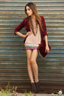 Brick-red-fur-choies-bag-camel-kafé-bracelet-brick-red-xiquita-bakana-skirt