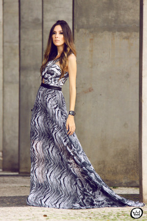 gray Moikana dress