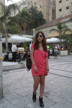 Topshop dress - renuar shoes - Ray Ban sunglasses