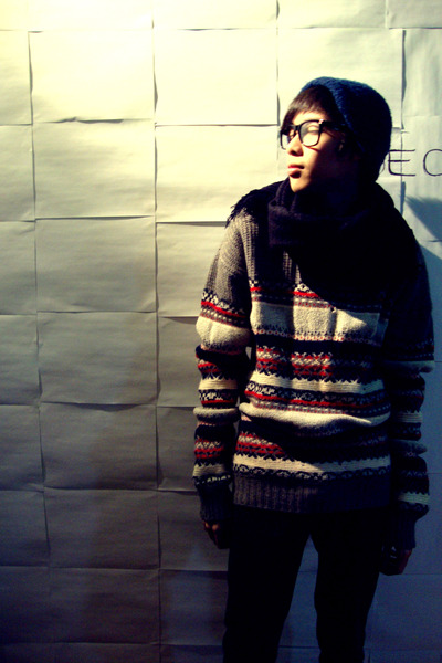 gray Custom Made by Wai Po sweater