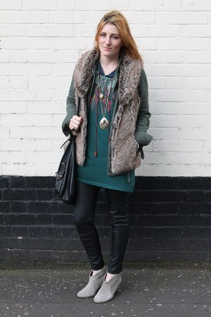 faux fur vest - suede Love Label boots - Forever 21 jacket