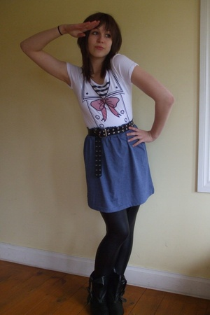 Target t-shirt -  belt - Self Made skirt - Deborah K tights