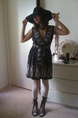 Anna Sui for Target dress - American Apparel hat - Target tights - jeffrey campb