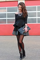 black Topshop skirt