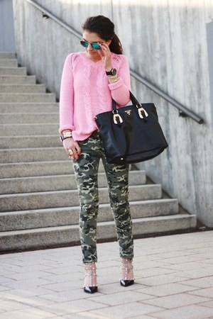 bubble gum Primark sweater - black Prada bag - dark green Pimkie pants