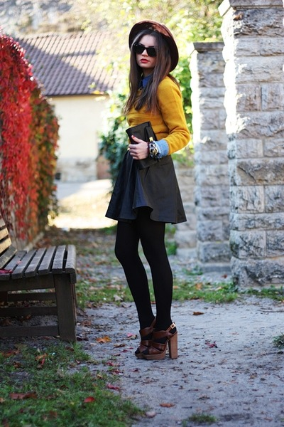 black H&amp;M skirt - gold Primark sweater