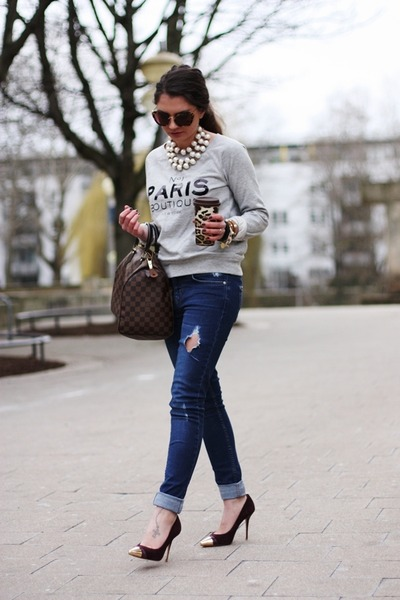 http://images1.chictopia.com/photos/fashionhippie/7073180893/blue-oasis-jeans-heather-gray-mango-sweater-dark-brown-louis-vuitton-bag_400.jpg