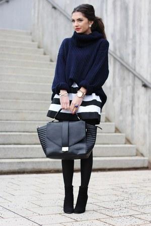 black Pimkie bag