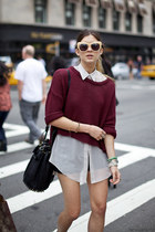 maroon H&M sweater
