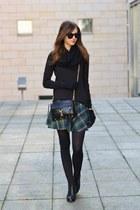 black vagabond boots - black H&M sweater - black H&M scarf