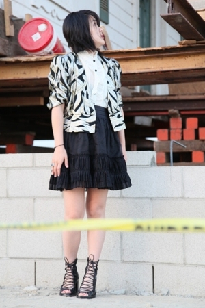 Elizabeth & James skirt - forever 21 blouse - ann d shoes - vintage blazer