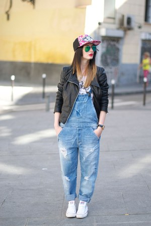 Zara jeans - black jacket - Converse sneakers