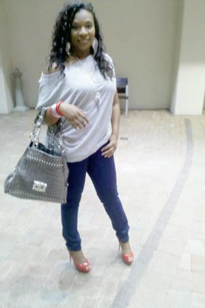 indigo blue Forever 21 jeans - gray Topshop top - Forever 21 accessories