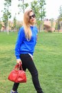 Blue-asos-sweatshirt-white-zara-shirt-navy-new-balance-sneakers