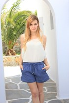 navy Zara shorts - eggshell H&M top - black Zara sandals - bronze asos necklace