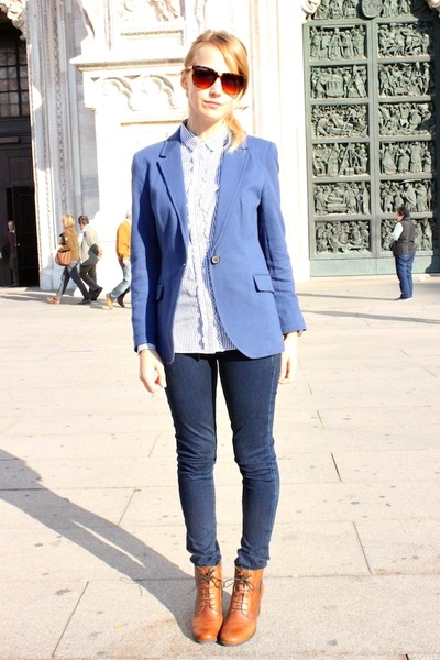 Navy Blue Blazer With Jeans And Boots | Muslim Heritage