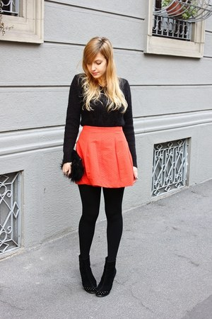 carrot orange asos skirt - black Mango boots - black H&amp;M bag - black H&amp;M jumper